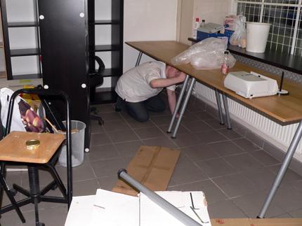 Att skruva bord 3 på natten är alltid roligt...